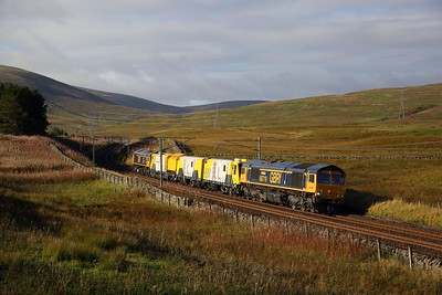 66719+Schweerbau HSM High-Speed Milling machine DR79601+66722 on 6X02 0830 Kirkpatrick Signal Mc863 to Carstairs C E  at Elvanfoot, Crawford on the 23rd September 2018