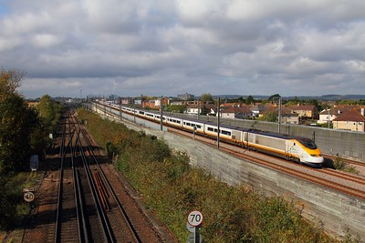 3201+3202 on the 9I32 1258 St Pancras International to Bruxelles Midi comes off the Ashford flyover at Sevington on the 14th October 2017