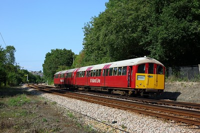 483006 working the 2D41 1549 Ryde Pier Head to Shanklin north of Brading on 11 August 2020  Class483, SWR, Islandline