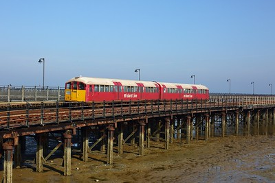 483008 working the 2D15 0907 Ryde Pier Head to Shanklin arriving at Ryde Esplanade on 11 August 2020  Class483, Islandline, SWR