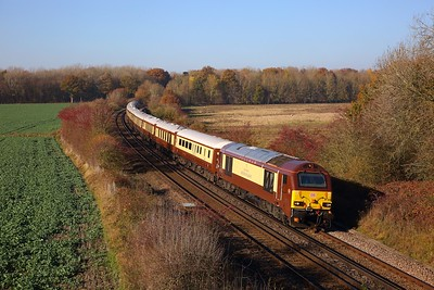 67021 tnt 67024 on the 1Z71 London Victoria to Folkestone West at Westwell Leacon, Charing on the 17th November 2018