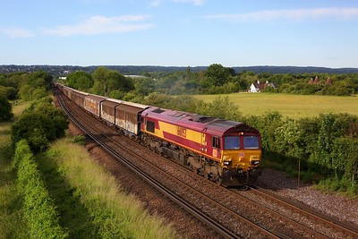 66053 powers the 6M45 0637 Dollands Moor to Daventry accelerating away from Otford junction on 13 June 2020  Class66, DB66, Maidstoneline, DBCargo