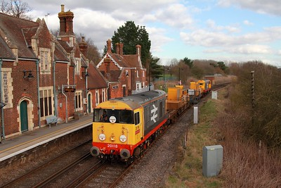 20118+20132 on the 3Y01 Tonbridge WY to Tonbridge WY via Cambria jnc, Rochester and Strood at Wateringbury on the 24th February 2017