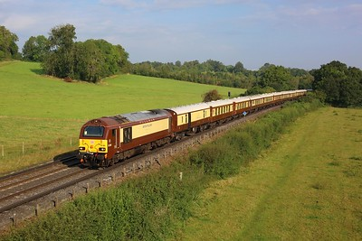 67021 leading 67024 working 1Z70 London Victoria to Chichester at Norbury Park on 18 September 2021  Class67, VSOE, MoleValley, DBCargo, DB