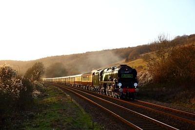 35028 Clan line nears Dorking with the 1Y88 Shalford to London Victoria VSOE on the 14th December 2019