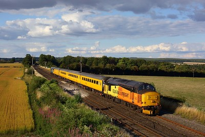 37421 leads 37025 working 1Q51 Derby RTC to Eastleigh Alstom at Wallers Ash on 3 August 2020  Class37, Colas, SWML