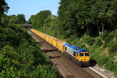 66720 powering the 6M26 Eastleigh east yard to Mountsorrel at Oakley on 7 July 2020  GBRf66, SWML
