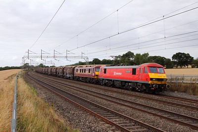 90036+90037 on the 6Z76 Warrington Arpley to Wembley at Cow Roast on the 4th August 2015