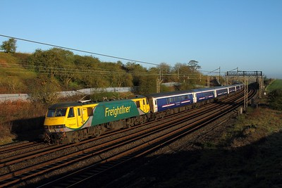 90045 on the 1M16 Inverness to London Euston at Old Linslade on the 20th April 2016