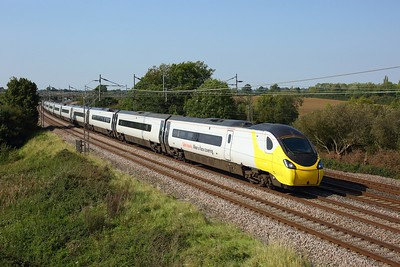 390122 working 1M10 0940 Glasgow Central to London Euston at Chelmscote on 22 September 2020  Class390, Avanti