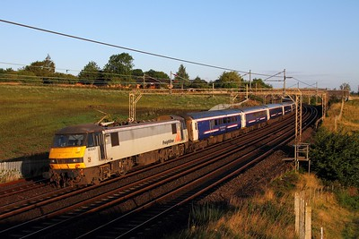 90047 on the 1M16 Inverness to London Euston at Old Linslade on the 19th August 2017