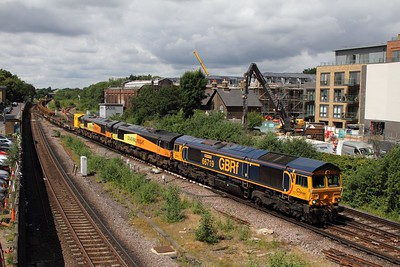 66719 leads 66848 and 66849 on the 6Y48 Eastleigh to Hoo junction at Twickenham on the 4th July 2016