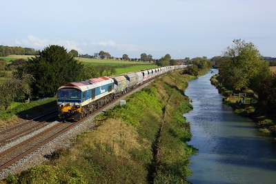 59101 powering the 6C31 Theale to Whatley at Crofton, Bedwyn on 14 October 2020  Class59, BandH, Freightliner