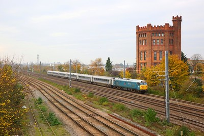 50008 on the 5Z40 Bristol Barton Hill to Wembley at Southall on the 16th November 2019