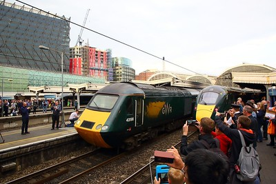 43198+43002 on the 1C26 1830 London Paddington to Taunton departing London Paddington on the 18th May 2019