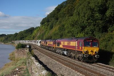 66009+66115+66006 passes Gatcombe working 6M60 Newport ADJ - Bescot 25-09-2010