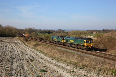 66562+66561 on the 4O57 Wentloog to Southampton at Old Dilton on the 23rd March 2020