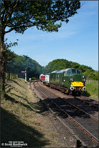 D6732 (37032) approaches Weybourne with a mixed freight for Sheringham on 12/06/2014.
