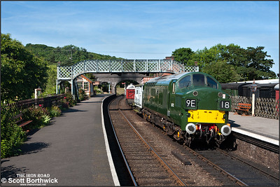 D6732 (37032) awaits the road at Weybourne with a mixed freight for Sheringham on 12/06/2014.