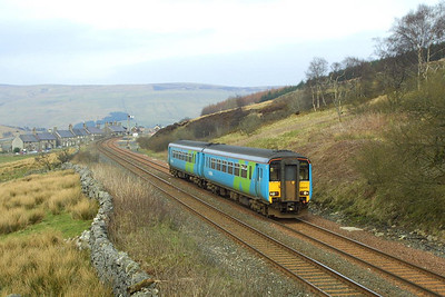 156444 departs from Garsdale on 23/03/2002 with 2H93 1426 Carlisle-Leeds.