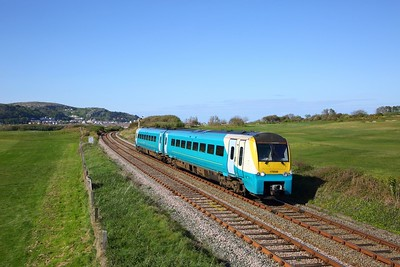 175006 on the 1H92 1644 Llandudno to Manchester Piccadilly at Deganwy on the 4th May 2019