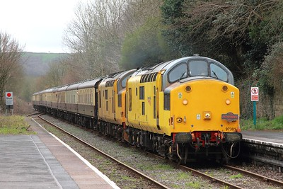 97301+97302 on the 1Z39 0618 Eastleigh - Llandrindod at Llandeilo on the 18th March 2017 1