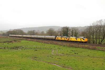 97301+97302 on the 1Z39 0618 Eastleigh - Llandrindod at Tyn-y-Bonau on the 18th March 2017