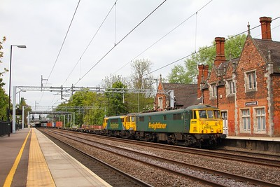 86608 ex-86501 and 86622 on the 4L90 Crewe Basford Hall to Felixstowe at Atherstone on the 9th May 2017