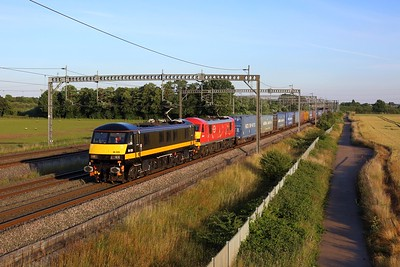 90020 leading 90037 on the 4S47 Daventry to Mossend at Comberford on 14 July 2021  Class90, DBCargo, TrentValley, DB
