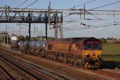 66029+66028 on 1j84 Willesden Maccesfield returning RHTT at Grendon heading south on 27th October 2010