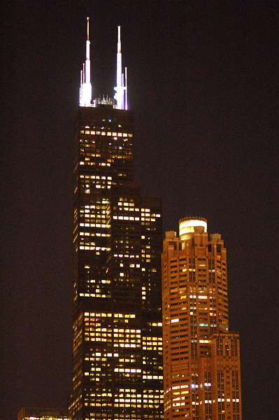 sears tower at nightfall - chicago, il.
