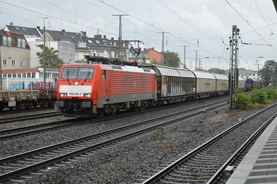 DB 189080-5 passes Cologne West 18/9/17