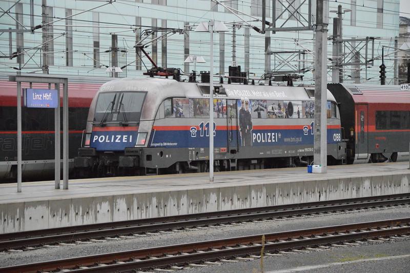 Police liveried OBB 1116 250-2