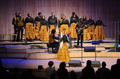 Lisa Knowles Smith & The Brown Singers