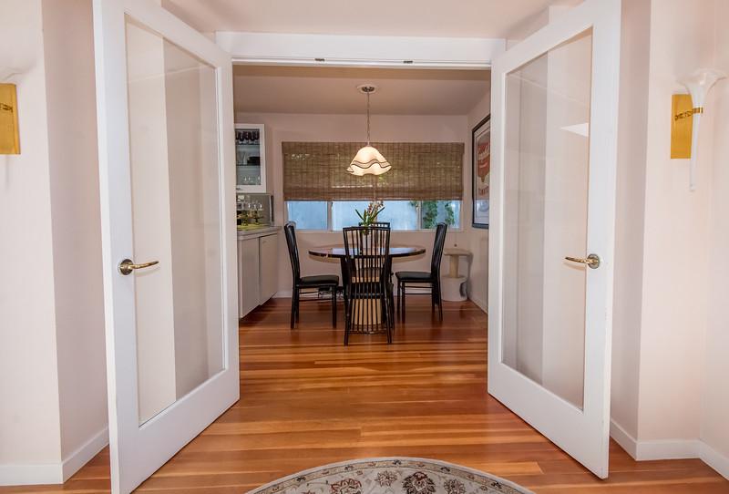 doors_dining