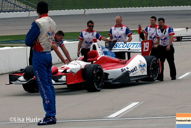 July 11: Justin Wilson and team at the Iowa Corn Indy 300.