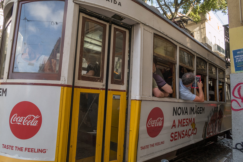 Posturas, tram 28