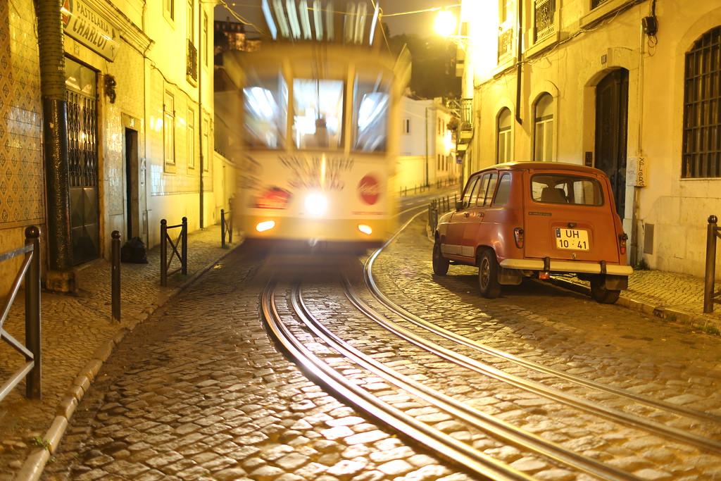 IMAGE: https://photos.smugmug.com/Lisbon-2017/i-g4pf473/0/XL/IMG_8536-XL.jpg