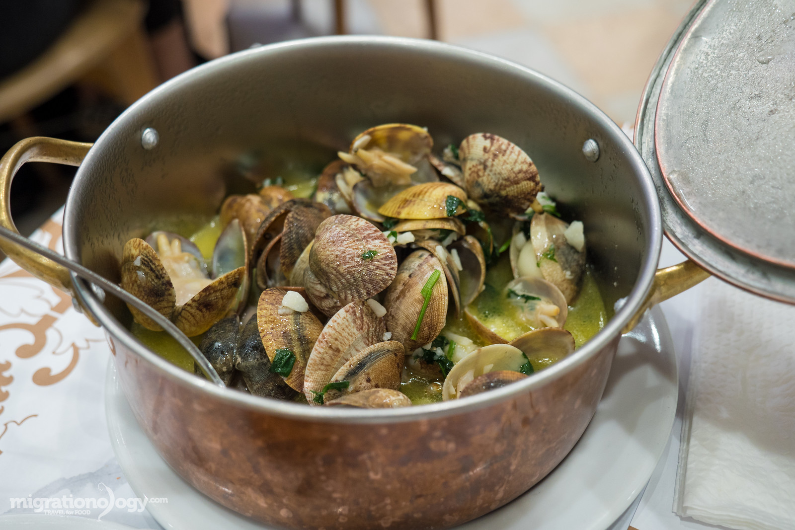 Clams in garlic