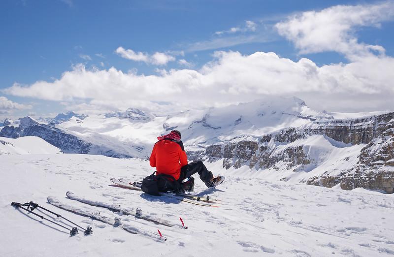 Little Crowfoot summit at 2815 m.