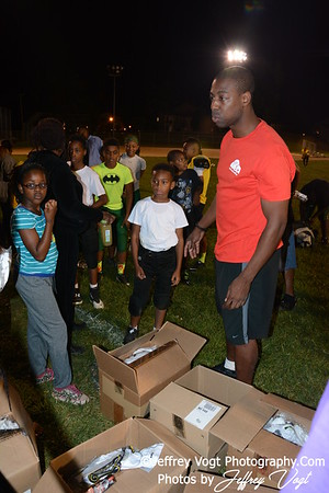 09-15-2014 Save Youth Football Under Armor Giveaway Sponsored by Solomon Taylor, Photos by Jeffrey Vogt MoCoDaily