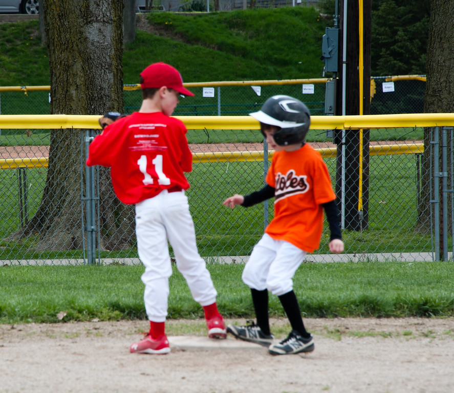 Holden and Will meet at second.