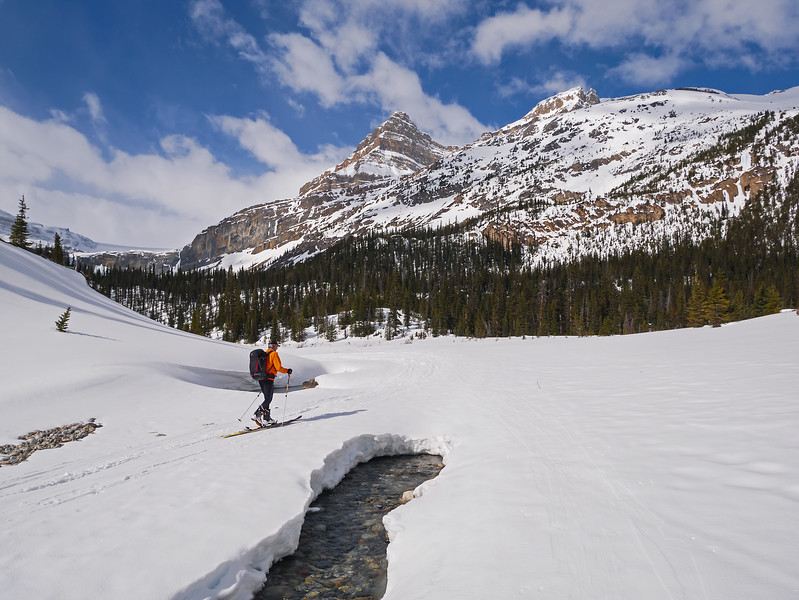 A dusting of new snow on the gravel flats, after crossing Bow Lake.