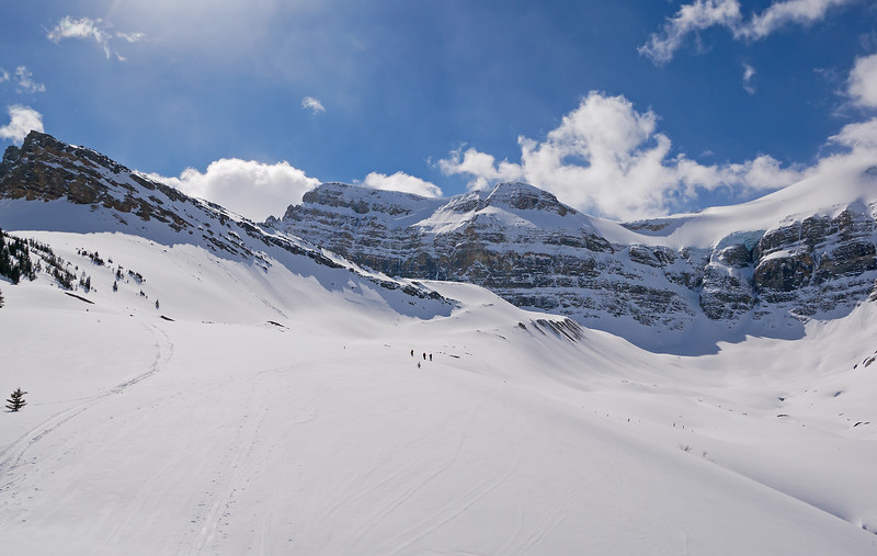 The only other skiers that we saw today continued on to Bow Hut on the edge of the Wapta Icefield. We turned left here.