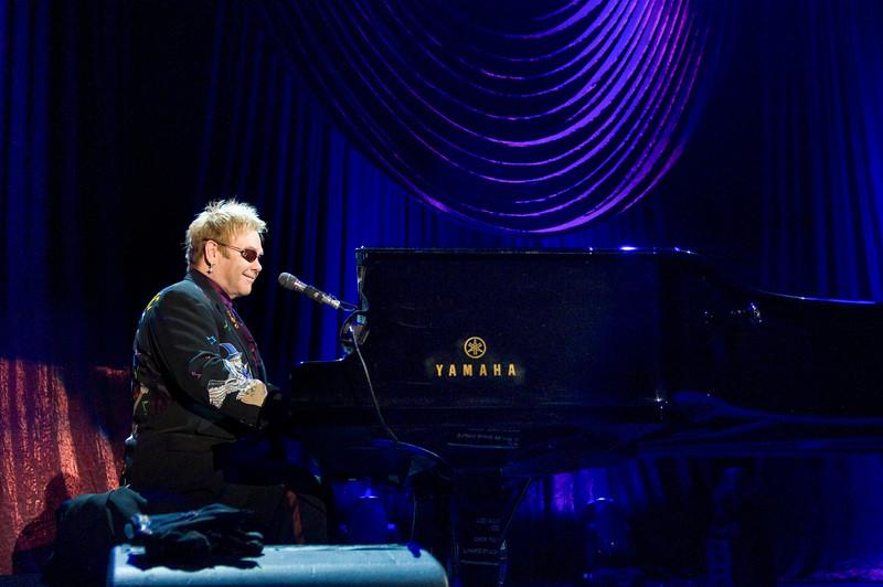 Elton John, Newark DE, 2008.