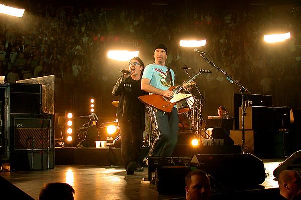 U2, Philadelphia PA, 2001.