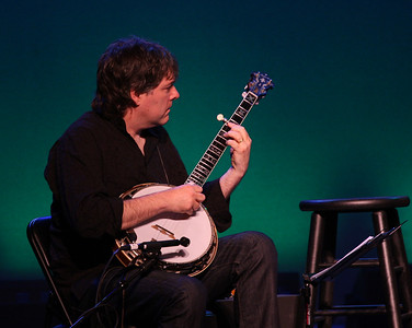 Béla Fleck on stage at the Westhampton Beach Performing Arts Center, 29 May 2010.