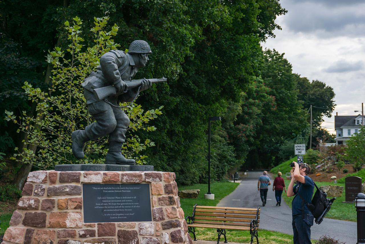 Dick Winters Statue on Photowalk