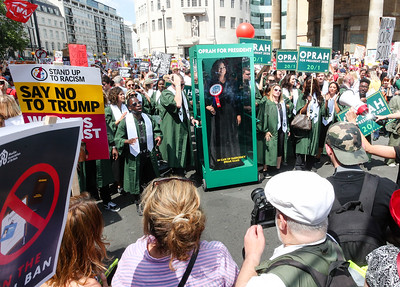 13/7/18 - GOSPEL CHOIR SINGS PADDY POWERED MESSAGE OF HOPE FOR OPRAH WINFREY AT LONDON TRUMP MARCH