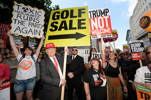 """13/7/18 Unltd-Inc inject humour into Trump protests with """"Golf Sale Trump"""". Why? Why not."""